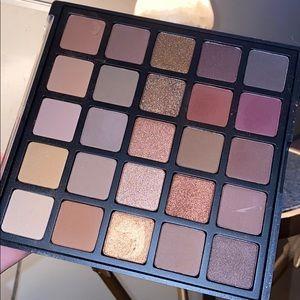 morphe 25b palette !!